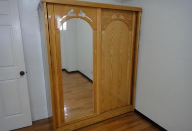 二手品衣柜/衣橱出售,木制大衣柜