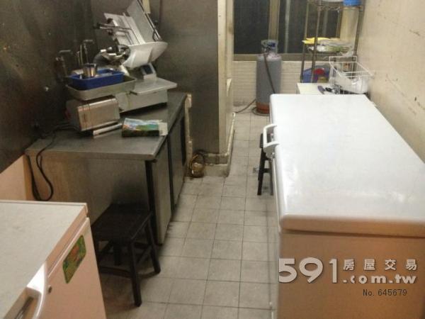 普通农村房子二楼内厨房图片