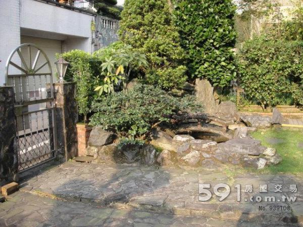 庭院小鱼池图片 庭院鱼池设计效果图 小型庭院鱼池